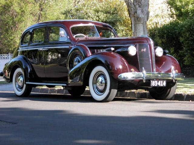 Buick Special Sedan on 1937 Buick Shafer 8